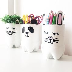 Pets with recycled plastic bottles - Crafts and Gardening Diy Crafts For Girls, Diy Home Crafts, Jar Crafts, Kids Crafts, Arts And Crafts, Creative Crafts, Plastic Bottle Crafts, Diy Bottle, Plastic Bottles