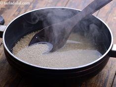 Quinoa, Corn and Capsicum Salad recipe Making Quinoa, How To Cook Quinoa, Lemon Herb, Honey Lemon, Healthy Grains, Chilli Flakes, Sweet Corn, Quinoa Salad, Food Photo