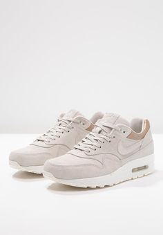 60b64c1b4acd1 Baskets Nike Sportswear AIR MAX 1 PREMIUM - Baskets basses - gamma  grey metallic golden