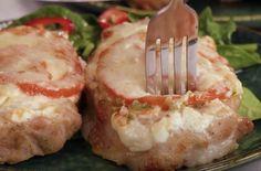 Nálev z uhoriek sa dá perfektne využiť. Naučíme vás niekoľko trikov, ktoré sa rozhodne oplatí poznať. Tušili ste napríklad, že s nálevom z uhoriek pripravíte najmäkkšie, jemné a neskutočne chutné mäso? Určite to otestujete už … Sushi, Ethnic Recipes, Food, Essen, Meals, Yemek, Eten, Sushi Rolls