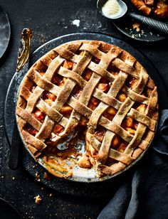 Get your bake on with this delicious toffee apple pie recipe. Use up the rest of the caramel sauce by drizzling over vanilla ice cream with toasted pecans and chopped bananas Apple Pie Recipes, Tart Recipes, Sweet Recipes, Baking Recipes, Apple Pies, Autumn Pie Recipes, Pecan Pies, Easy Desserts, Dessert Recipes