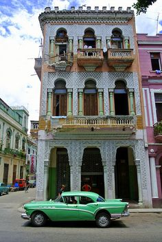 Old Havana - La Habana Vieja, Beautiful Building with Classic Green American Car. I ♥ Havana http://Netssa.com/havana.html
