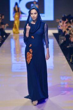 My Malaysia Fashion Week 2016 Spring Summer 2017 Collection. Gil Macaibay III/ PHILIPPINES 💋 Mercedes-Benz Stylo Asia Fashion Week. Photo by Roger Nazar Jr Lactao #gilmacaibay #mfw2016 #mfwS/S17 #MBSAFW #fashion #style #hautecouture #MarketingForum #tradeshow #Malaysia #Philippines #fashiondesigner #runway #fashionshow #Asia #gilmacaibayfashionstudio #rogerlactaojrphotography #malaysiafashionweek