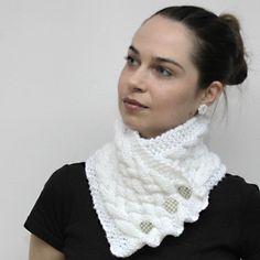 Tejer bufanda, acogedor blanco cuello caliente - chimenea caliente / chal de lana, las mujeres de moda, accesorios de Solandia de punto. Invierno. Regalo de San Valentín