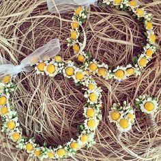 Çiçekli taç / Flowerband www.masalsiatolye.com #masalsiatolye #papatya #daisy