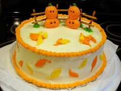 About the Cakes: 2009 Halloween Pumpkin Patch Cake