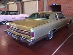 1979 Lincoln Continental Town Coupe: With Fixed Glass Moonroof Lincoln Motor Company, Ford Motor Company, Lincoln Town Car, Lincoln Mercury, Old Fords, Lead Sled, Lincoln Continental, Station Wagon, Lowrider