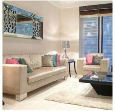 La elección de los muebles son contemporáneo y expresan modernismo. Excelente elección!