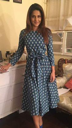 Upcoming movie of my favorite girl Modest Dresses, Modest Outfits, Casual Dresses, Short Dresses, Fashion Dresses, Frock Dress, Boho Dress, Indian Designer Outfits, Designer Dresses