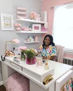 Getting smart ideas comfortable office desk arrangements Home Office Space, Home Office Design, Home Office Decor, Office Furniture, Work Desk Decor, Pink Office Decor, Small Office Decor, Office Workspace, Furniture Decor