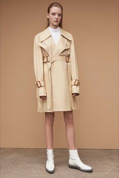 Sfilata Calvin Klein Collection New York - Pre-collezioni Primavera Estate 2017 - Vogue
