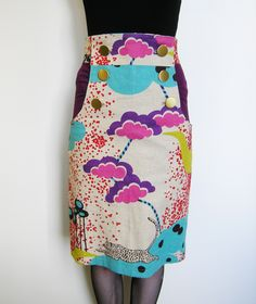 Burda skirt pattern in japanese fabric Japanese Sewing Patterns, Dressmaking Fabric, Sewing Stitches, Japanese Fabric, Printed Skirts, Couture, Pattern Design, Free Pattern, High Waisted Skirt