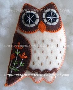 Owls! A wonderful blog for felt craft ideas.