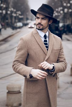 Men's Fashion & Style | Shop Menswear, Men's Clothes, Men's Apparel and Accessories at designerclothingfans.com