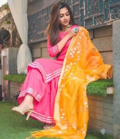 Image may contain: one or more people, people standing and outdoor Pakistani Dresses, Indian Dresses, Indian Outfits, Punjabi Dress, Western Outfits, Designer Punjabi Suits, Indian Designer Wear, Dress Indian Style, Indian Wear