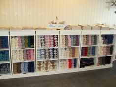 """DROPS Store """"Små Skatter"""" in Fitjar, Norway Craft Fairs, Norway, Shelves, Store, Crafts, Ideas, Home Decor, Threading, Shelving"""