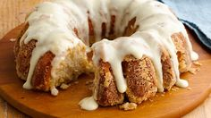 Polynesian Pull-Apart Bread  ~  Monkey bread goes tropical in this easy take made with biscuits and pineapple.