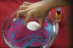 Warm water, swirl in nail polish then dip egg! Easter Crafts, Holiday Crafts, Fun Crafts, Crafts For Kids, Holiday Ideas, Easter Countdown, Easter Egg Designs, Egg Decorating, Decorating Hacks