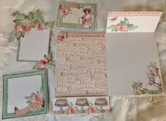 Hi everyone :-)   There where many of you who requested a page tutorial for the Graphic 45 Time to Flourish mini album so here it is :-)  ...