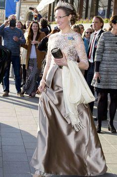Les festivités du 70e anniversaire du roi Carl XVI Gustaf de Suède se sont clôturées par un dîner de gala. Reines et princesses y arboraient robes du...