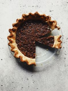 Black Bottomed Pecan Pie + My Favourite Pie Crust {vegan} Vegan Dessert Recipes, Tart Recipes, Desserts, Chocolate Pies, Vegan Chocolate, Vegan Pecan Pie, Kinds Of Pie, Coconut Whipped Cream, Chocolate Coating