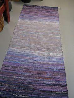 Vävföreningen Kulturarvet: Julmatta Rug Loom, Recycled Fabric, Scandinavian Style, Woven Rug, Pattern Design, Hand Weaving, Recycling, Textiles, Weave