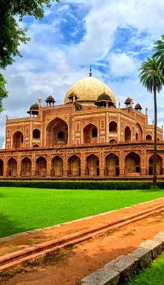 Humayun's Tomb, New Delhi, India   20+ Amazing Photos of India, a Fascinating Travel Destination