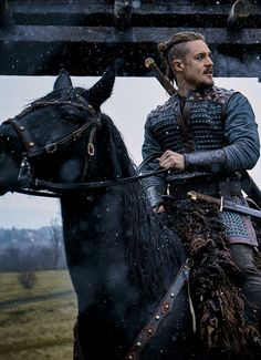uhtred the last kingdom wallpaper - uhtred the last kingdom ; uhtred the last kingdom quotes ; uhtred the last kingdom wallpaper ; uhtred the last kingdom season 4 Uhtred De Bebbanburg, The Last Kingdom Series, Last Kingdom Season 2, Alexander Dreymon, Season Premiere, Film Serie, Fantasy Characters, Outlander, Knights Templar