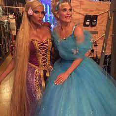 Pin for Later: Seht alle Halloween-Kostüme der Stars Padma Lakshmi und Molly Sims als Rapunzel und Cinderella