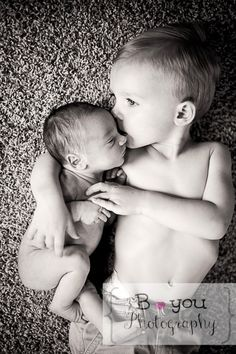 brothers newborn photoshoot ideas