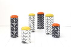Brabantia Collaborates with Orla Kiely to create a stunning Retro bin collection that features Kiely's icon stem design alongside bright pops of colour Orla Kiely, Bathroom Bin, Trash Bins, Kirsten Dunst, Blog Deco, Interior Accessories, Kitchen Accessories, Kitchen Styling, Apartment Design