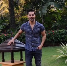 Bollywood Outfits, Bollywood Actors, Varun Dhawan, My Crush, Love Of My Life, Hot Guys, Handsome, Men Casual, Actresses