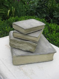 Always, Robins Egg Blue Immer, Robins Egg Blue Diy Concrete Planters, Cement Art, Cement Patio, Concrete Art, Concrete Garden, Concrete Design, Brick Crafts, Concrete Crafts, Diy Garden Decor