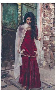 Maroon velvet dress with golden border Source by outfits Sharara Designs, Kurti Designs Party Wear, Red Lehenga, Anarkali, Lehenga Choli, Lehenga Suit, Party Wear Dresses, Dress Outfits, Dress Up