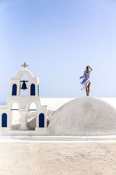 Santorini vibes in Oia   Chloé sandals: http://www.ohhcouture.com/2016/06/chloe-sandals-striped-dress/   #ohhcouture #leoniehanne #ohhsantorini