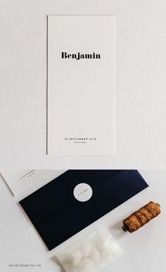 Dit geboortekaartje is de stijlvolle aankondiging van jullie kleintje. Eenvoud en mooie letters sieren de kaart. Aan de achterzijde worden de geboorte statistieken speels weergegeven door de pictogrammen. Styling tip: Maak het pakketje compleet met een touwtje in jullie favoriete kleur en bijpassende enveloppen #geboortekaartje #modernandminimal #ohsoprettyparty Stationery Design, Brochure Design, Promotion Card, Modern Fonts, Grafik Design, Cool Fonts, Graphic Design Typography, Identity Design, Editorial Design