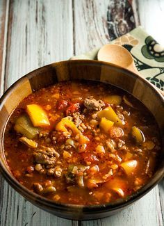 Paleo Slow Cooker soup Recipes is One Of the Favorite soup Of Numerous People Round the World. Besides Easy to Make and Excellent Taste, This Paleo Slow Cooker soup Recipes Also Healthy Indeed. Slow Cooker Soup, Slow Cooker Recipes, Paleo Recipes, Real Food Recipes, Soup Recipes, Slower Cooker, Stuffed Pepper Soup, Stuffed Peppers, Cena Paleo