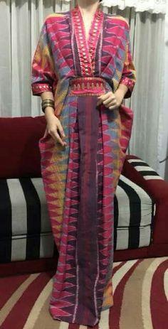 Kaftan Batik Fashion, Abaya Fashion, Muslim Fashion, Modest Fashion, Fashion Dresses, Kaftan Batik, Batik Dress, Batik Muslim, Kaftan Pattern