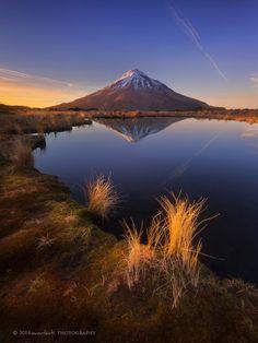 River at Taranaki , New Zealand      [Web Gallery]  [Facebook]  [Instagram] [Flickr]