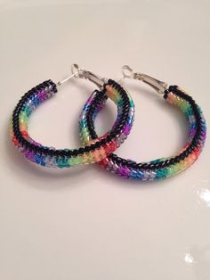 Native American beaded hoop earrings, rainbow herringbone stitch. 35 mm hoop. 1.4 inches