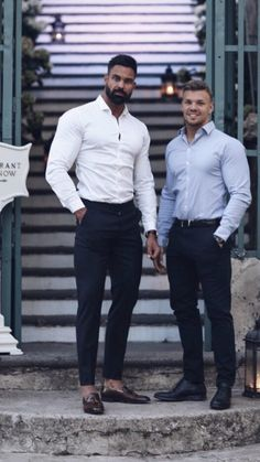 5 Outfits For Guys With Great Physique is part of Preppy mens fashion - Casual outfits for wellbuilt guys Mens Fashion Casual Shoes, Preppy Mens Fashion, Mens Fashion Blog, Best Mens Fashion, Mens Fashion Suits, Casual Outfits, Mens Suits, Formal Men Outfit, Business Casual Men
