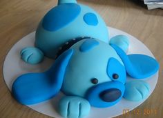 Cute and easy dog party cake Fondant Dog, Fondant Cupcake Toppers, Cupcake Cakes, Cake Fondant, Fun Cupcakes, Birthday Cupcakes, Birthday Bash, Puppy Cake, Animal Cakes