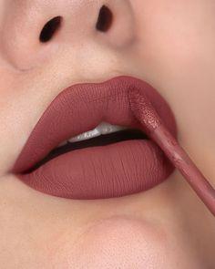 Mac Lipstick Shades, Maybelline Lipstick, Lipstick Colors, Lipsticks, Matte Lipstick, Nail Paint Shades, Batons Matte, Lip Makeup Tutorial, Skin Makeup