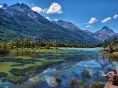Puyuhuapi - Chile / Puerto Puyuhuapi [pu-iu-'ua-pi] es una localidad con características de aldea, ubicada en la comuna de Cisnes, en la Región de Aysén, en la Patagonia Chilena.