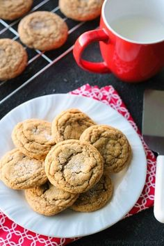 These Soft Baked Gingersnap Cookies are thick and chewy, and full of rich molasses, ginger, and spices for a wonderful Christmas cookie everyone will love!       //video.mediavine.com/videos/e…