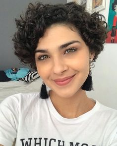 Bob Haircut Curly, Short Curly Bob, Curly Hair Cuts, Short Hair Cuts, Curly Hair Styles, Short Curly Hairstyles For Women, Wavy Bob Hairstyles, Corte Bob, Glamorous Hair