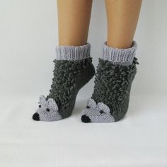 Two Needle Socks – Free Knitting Pattern Loom Crochet, Crochet Ripple, Crochet Coat, Crochet Shoes, Crochet Slippers, Wool Socks, Knitting Socks, Knitting For Kids, Baby Knitting