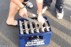 Auch beim Bier öffnen. | 23 Beweise, dass Deutschland das cleverste Land der Welt ist
