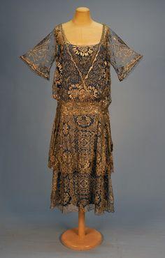 "Silver metallic lace ""Robe de Style"" dress with blue silk underdress, c. 20s Fashion, Art Deco Fashion, Fashion History, Retro Fashion, Vintage Fashion, Gothic Fashion, Fashion Online, Vintage Outfits, 1920s Outfits"