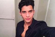 Read Chat from the story Chat entre CNCO y una CNCOwner by UnaJovenNoEsNadie (Una Joven No Es Nadie) with reads. Cnco Logo, Erik Brian Colon, Stabilo Boss, 23 November, Attractive Guys, Boy Bands, Photo And Video, Instagram, Celebrities